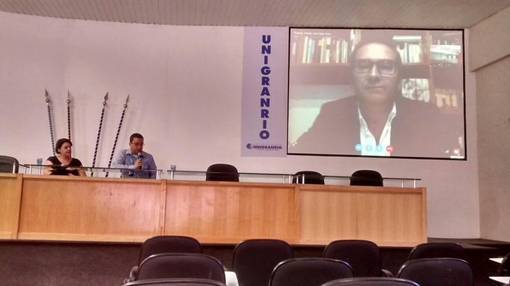 Uma das mesas com Conferência Online com o Prof. Dr. Joaquim José Jacinto Escola , de Portugal